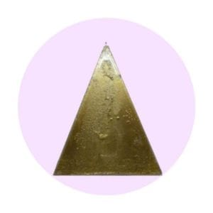 vela-piramide-dorada