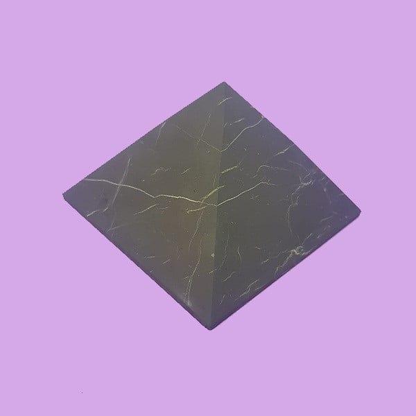 piramide shungit semipulida m